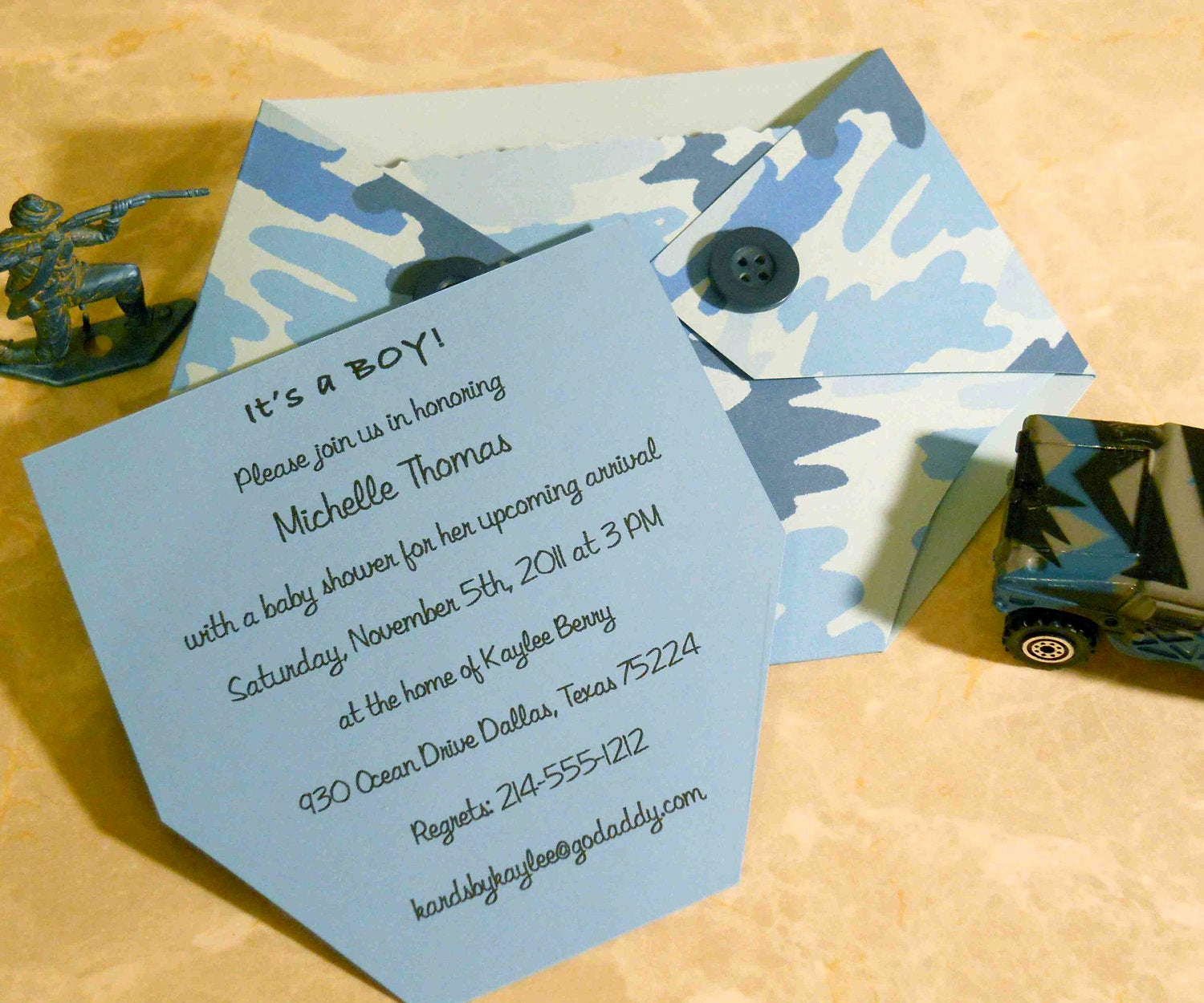 Baby Shower Pics for Invitation Awesome Baby Shower Invitation Blue Camo Diaper Shaped